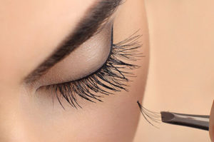 Esthetic salon Eyelash extension